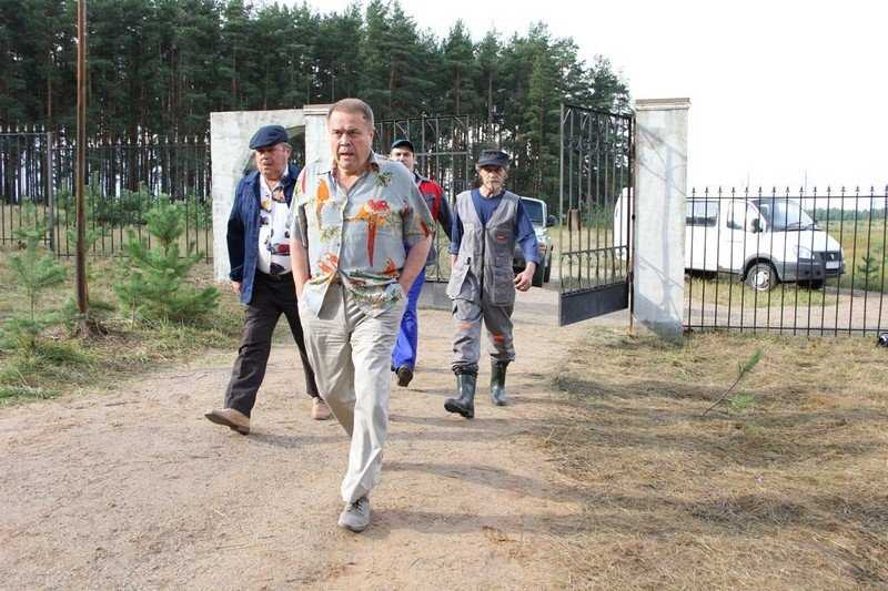 Watch the movie The guy from our cemetery 2015 Russian comedy in excellent quality hd 1080 for free